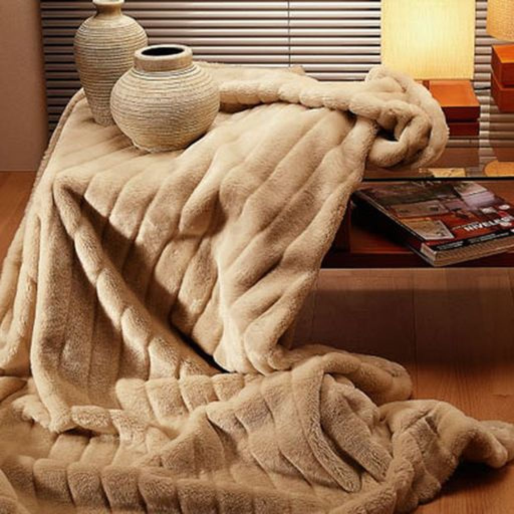 Выбрать способ стирки одеяла из верблюжьей шерсти – нужные советы
