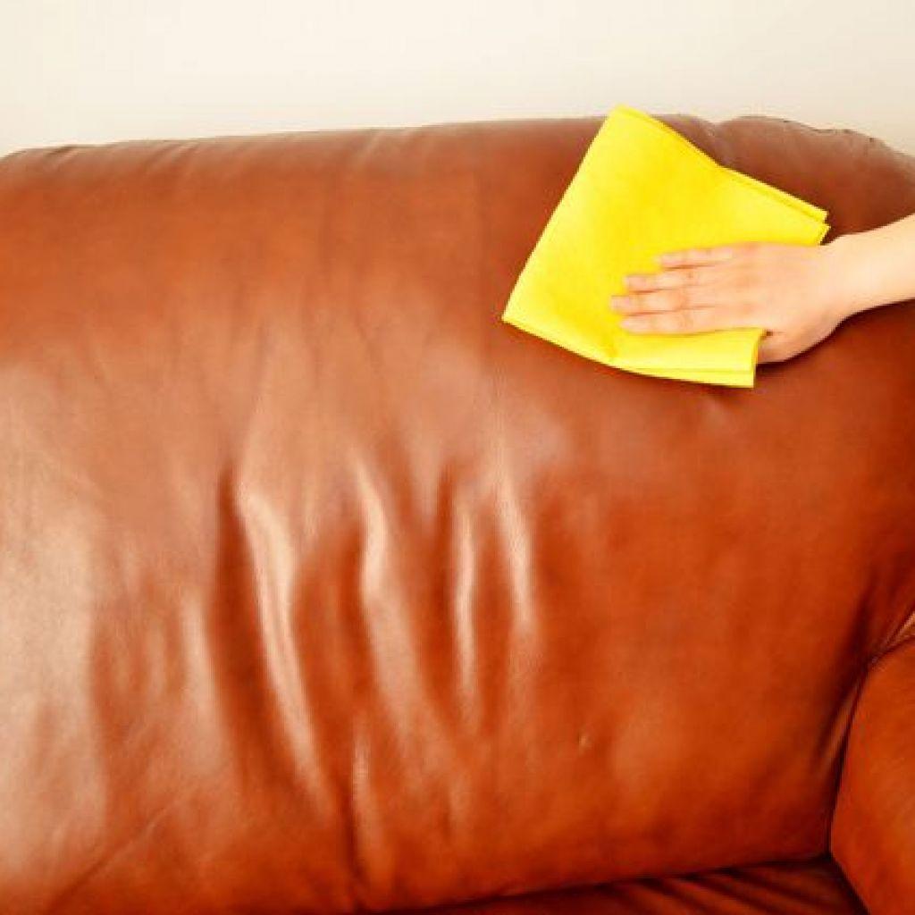 Убрать все пятна с кожаной мебели – легко!