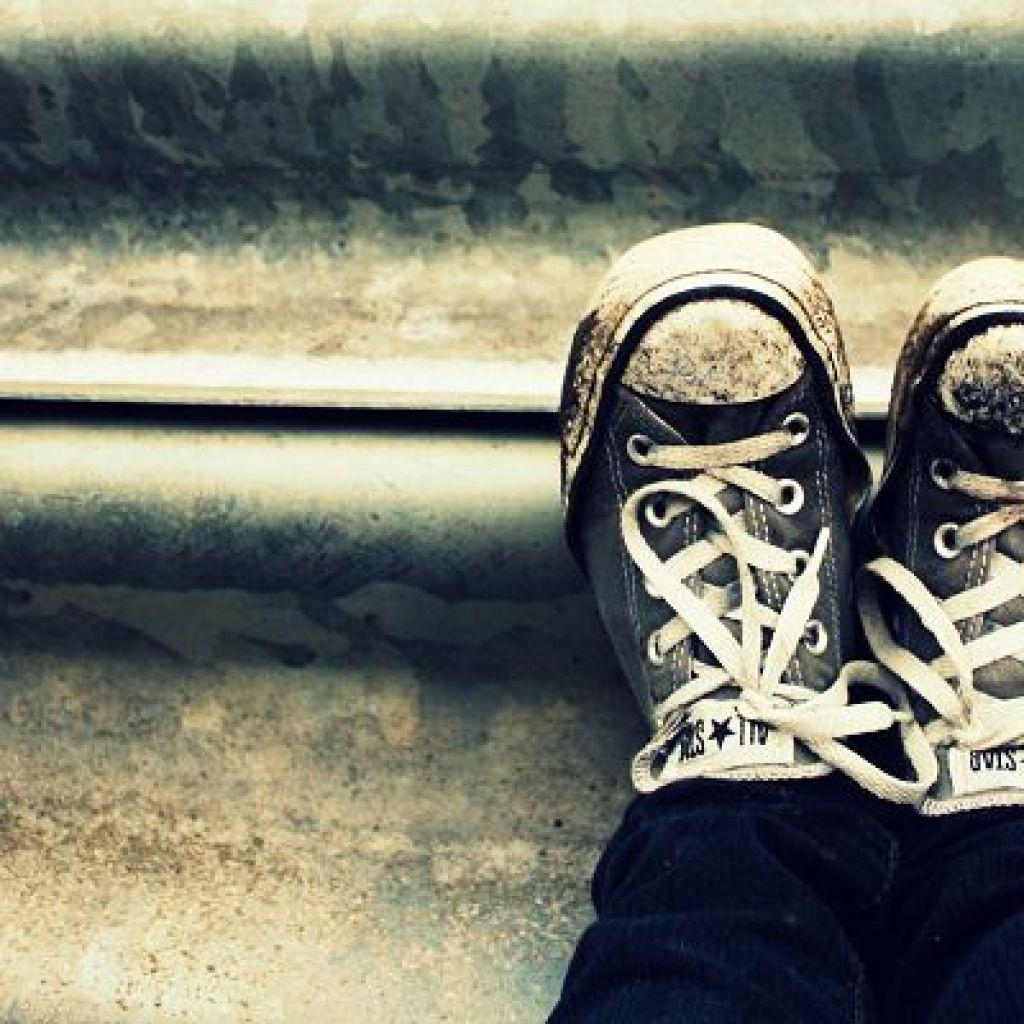 Как правильно чистить белые кроссовки – простые советы