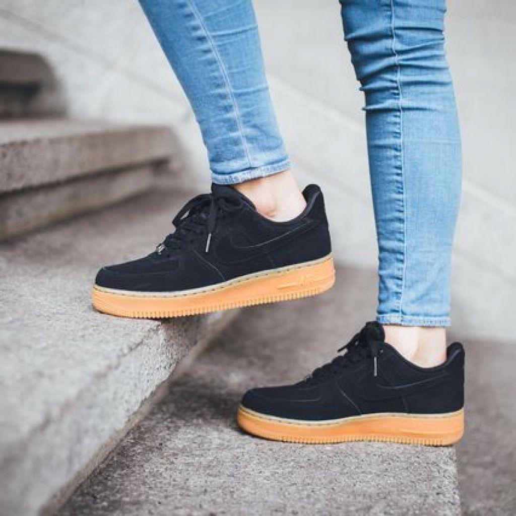 Почистить замшевые кроссовки – народные методы