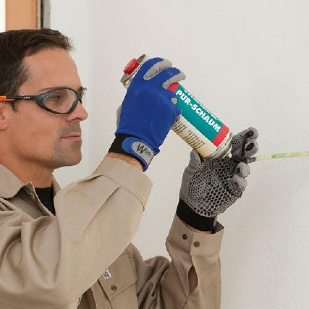 5 способов очистки монтажной пены с двери и окна