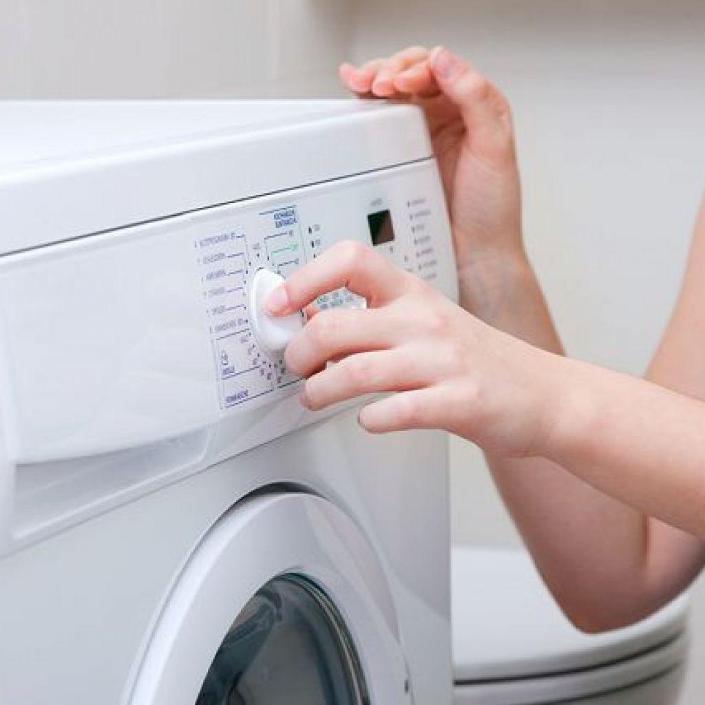 Стирка пальто в стиральной машине – смотри на ткань!