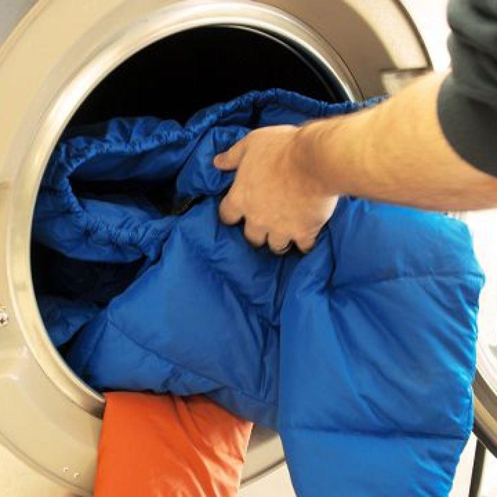 Лучшие советы по стирке пуховика в стиральной машине