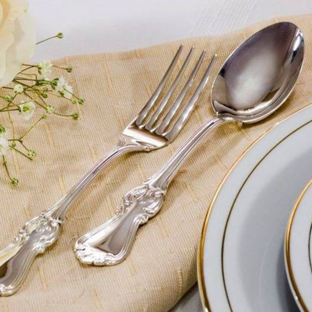 Чем очистить столовое серебро до блеска – 8 популярных способов cdd9eae0371