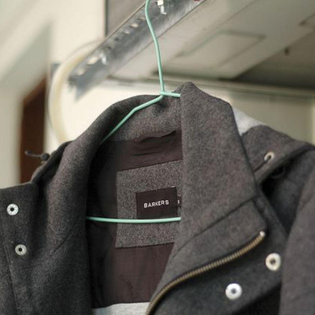 Чистка пальто своими руками – легко!