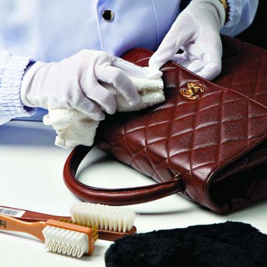 Самые лучшие способы чистки кожаной сумки своими руками