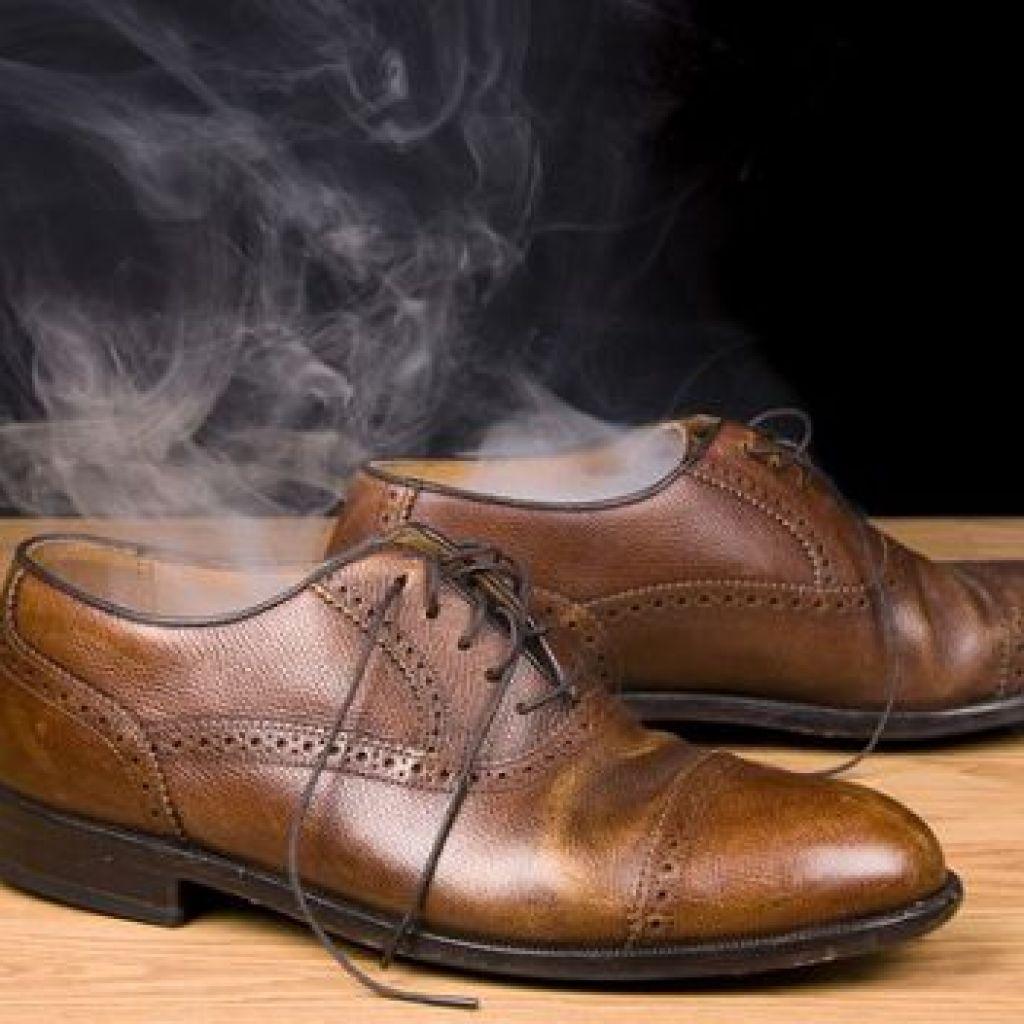 8 способов избавления от неприятного запаха из обуви