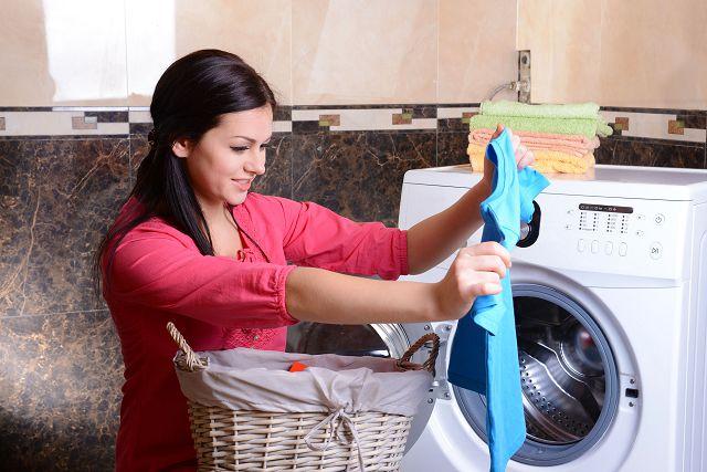 Чем отстирать мазут с одежды: несколько простых советов