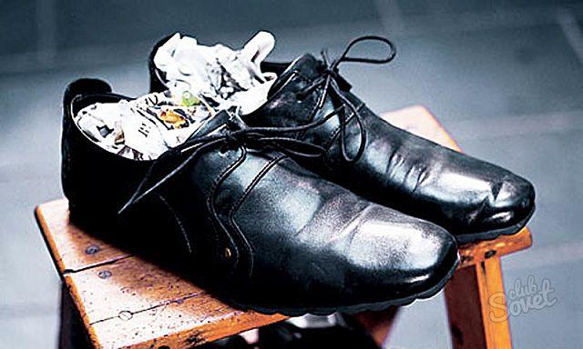 Растяжение кожаной обуви