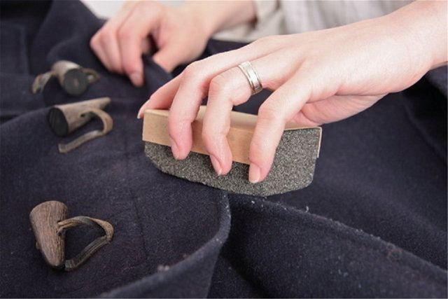 Как почистить кашемировое пальто