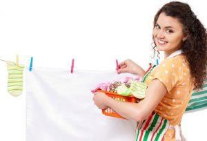 kak ubrat smolu s odezhdy 05 300x204 - Как убрать смолу с одежды в домашних условиях