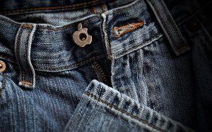 Краска на джинсах