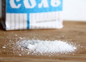 Стираем тюль с солью
