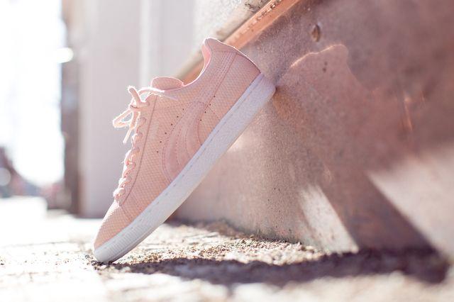 Как чистить замшевые кроссовки