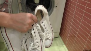 Как стирать конверсы