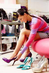 Как растянуть лаковые туфли