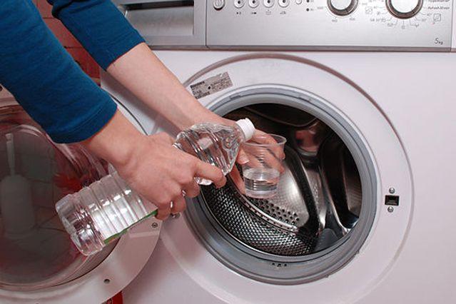 Чистка стиральной машины с помощью уксуса